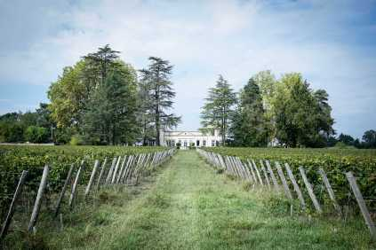 batch_Haut-Bailly-chambres-dhotes-chateau-le-Pape1